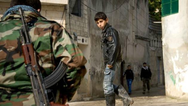 Varios videos demuestran que los rebeldes sirios reclutan a menores