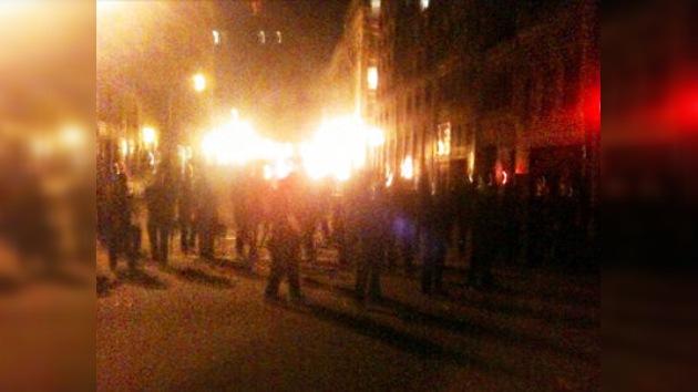 La policía de EE. UU. desaloja a los activistas a sangre y fuego
