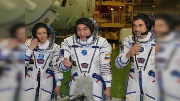 Tres cosmonautas regresan a la Tierra desde la EEI