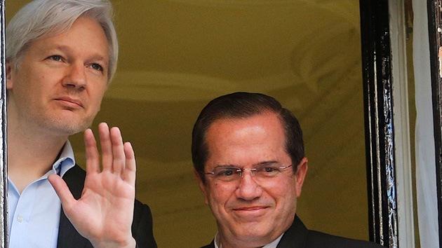 """Patiño, """"no muy optimista"""" sobre la resolución del caso Assange"""