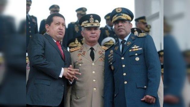 """Chávez nombra ministro de Defensa al """"soldado revolucionario"""" Rangel Silva"""