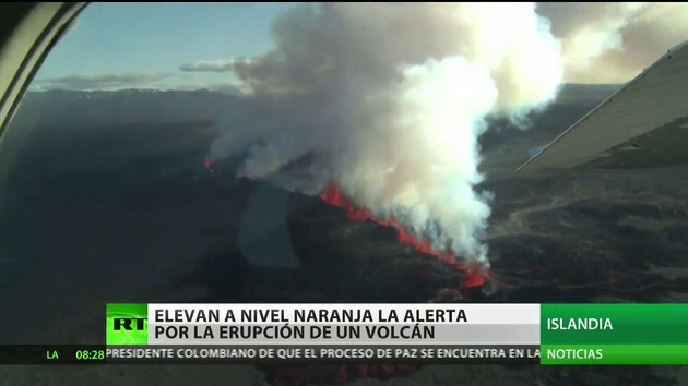 Islandia eleva a naranja el nivel de alerta debido a la erupción de un volcán