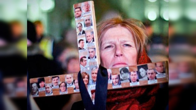 Despiden a 13 oficiales polacos por la catástrofe del avión presidencial en Rusia