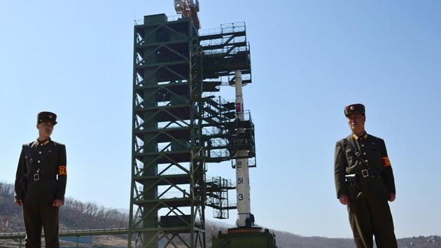 Corea del Norte lanza un cohete de largo alcance