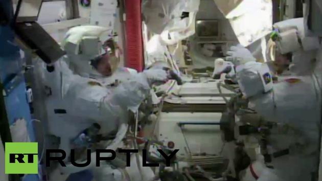 Video: EEI: Astronautas estadounidenses realizan caminata espacial