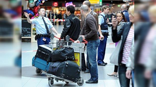Evacuan un aeropuerto de Ámsterdam por amenaza de bomba