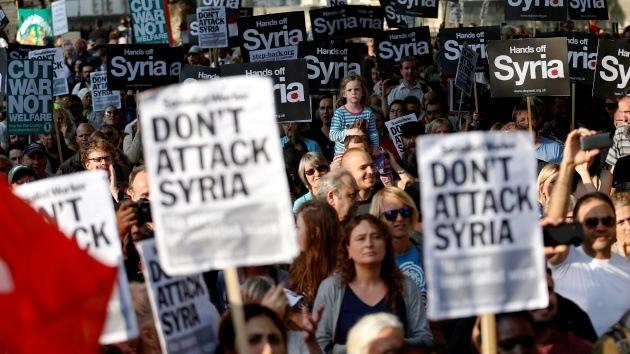 "Protesta en Londres: ""¡Dejad de bombardear Irak! ¡Dejad de bombardear Siria!"""