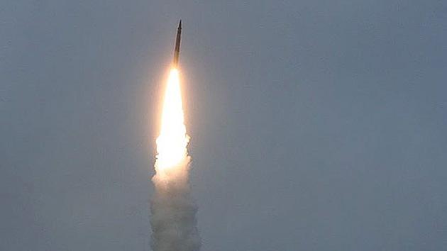 "Rusia prueba con éxito un misil balístico ""asesino del escudo antimisiles de EE.UU."""