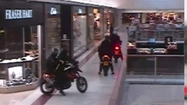 Video: Robo de película en un centro comercial de Londres