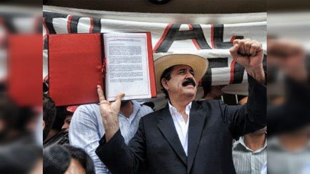 Manuel Zelaya protesta contra el incumplimiento del pacto de reconciliación