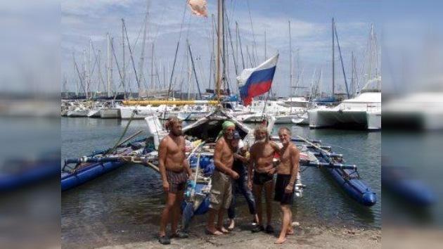 Termina en Brasil la expedición rusa en trimarán neumático por el Atlántico