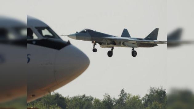 Vea en acción al caza ruso T-50 y otras joyas del salón aeroespacial MAKS-2011
