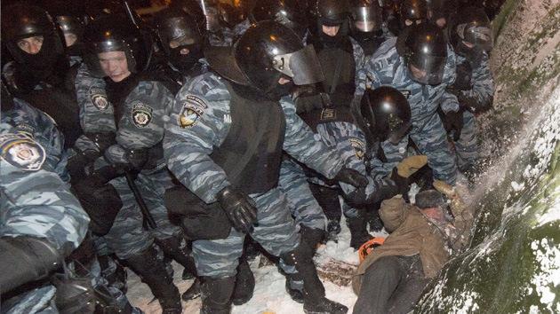 Al menos 10 heridos durante enfrentamientos entre los manifestantes y la Policía en Kiev