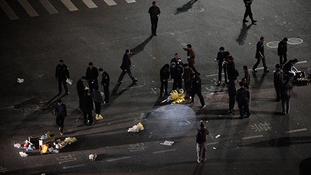 Un atentado con cuchillos en una estación de tren en China deja 33 muertos y 130 heridos
