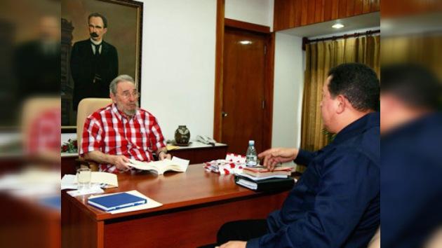 Fidel Castro discute con Chávez el riesgo de una guerra nuclear
