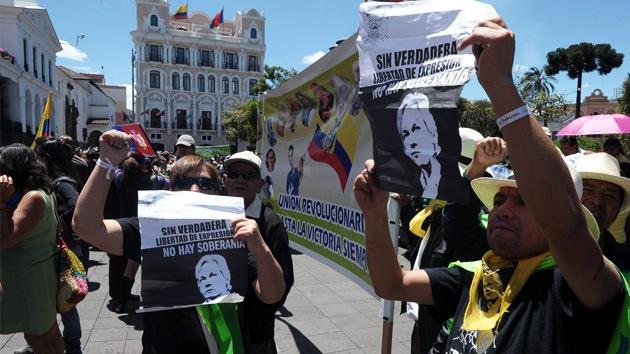 Fotos: Centenares de ecuatorianos marchan en apoyo a Julian Assange