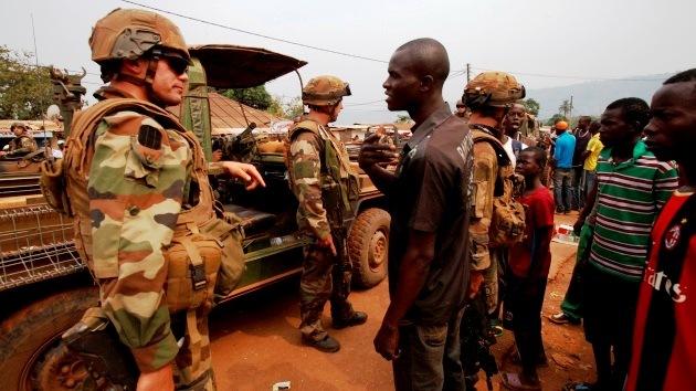 Francia envía 3.000 tropas a África