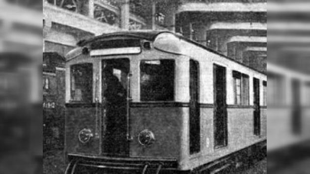 """Tren """"retro"""" para los 75 años del metro de Moscú"""