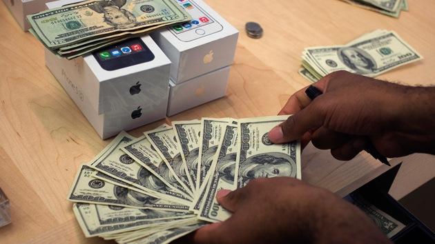 Estafadores de iPhone engañan a mendigos ante la indiferencia de Apple