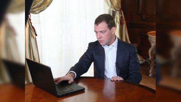 Dmitri Medvédev decidió crear una segunda cuenta en Twitter