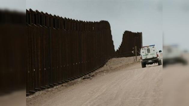 En Arizona, planean extender el muro fronterizo recurriendo a dinero donado por Internet