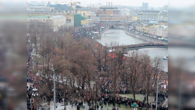 Miles de rusos salen a las calles en protesta por los resultados de las elecciones