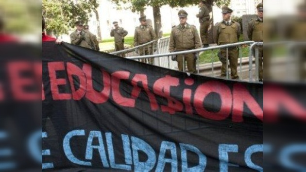 Jóvenes chilenos cruzan los Andes en busca de educación gratuita