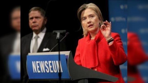 Clinton acusa a China de censura en Internet y complica las relaciones
