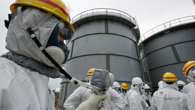 Detectan una fuga de 100 toneladas de agua radioactiva en la central de Fukushima