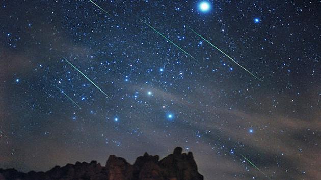Función celestial: Impresionante lluvia de estrellas Dracónidas