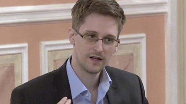 """Snowden califica de """"absurdas"""" las acusaciones de que es un espía ruso"""
