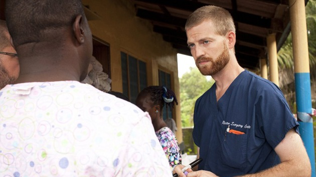 """Médico estadounidense infectado con el ébola: """"Fui testigo del horror de primera mano"""""""