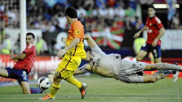 El Real Madrid se desploma, mientras Messi sostiene al FC Barcelona en el liderato