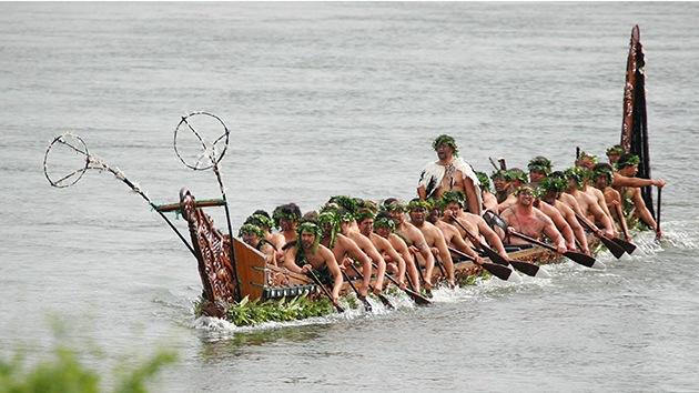 Descubren una gran canoa sofisticada de 600 años de antigüedad en Nueva Zelanda