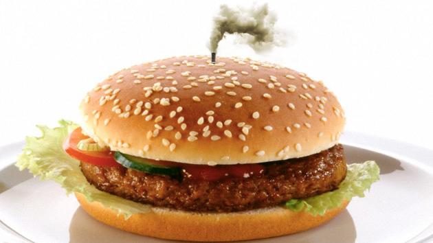 Las hamburguesas contaminan más que los camiones