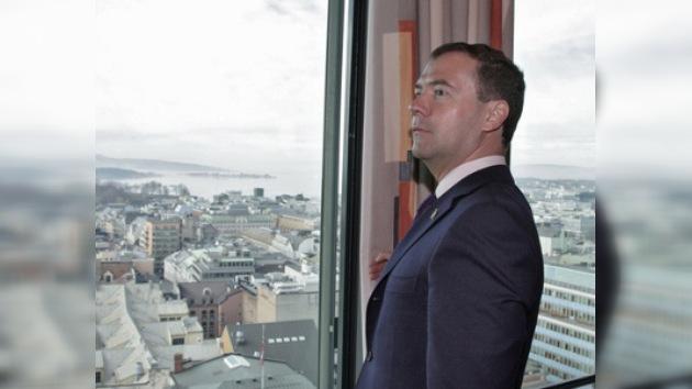 Dmitri Medvédev llega a Dinamarca en el marco de su gira por Escandinavia
