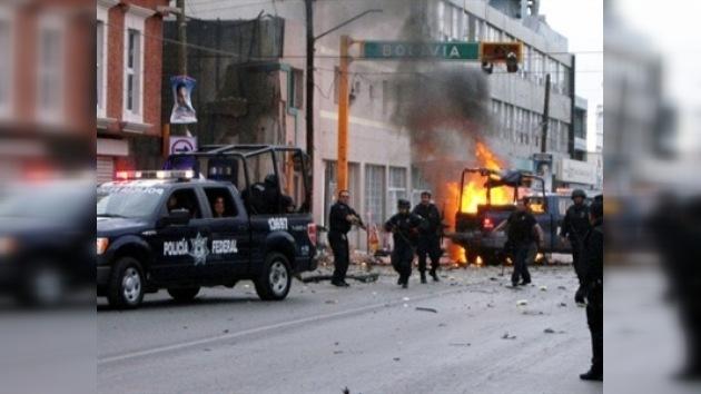 Policías de Ciudad Juárez acusan a sus jefes de cooperar con los criminales