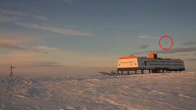 Un ovni 'visita' la Antártida