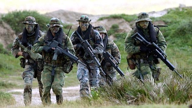 """Soldado español: """"Nos dan comida con gusanos y encima tenemos que pagarla"""""""