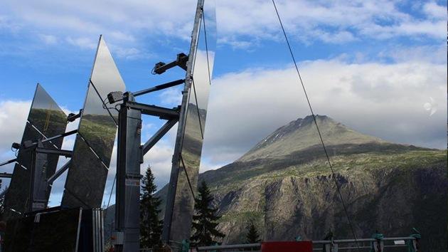 Un sistema de espejos llevará la luz a la noche polar noruega