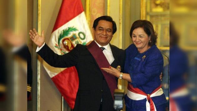 García nombra a Rosario Fernández nueva primera ministra de Perú