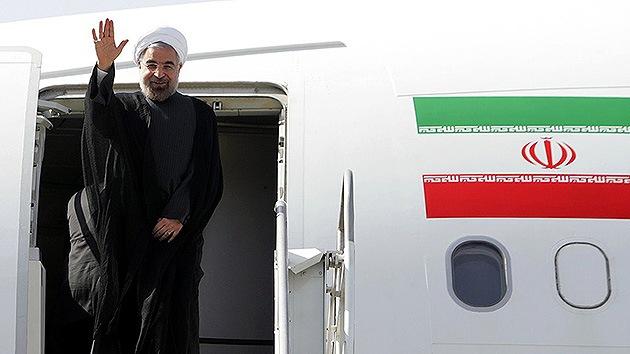 Un simple apretón de manos entre Irán y  EE.UU. puede mejorar sus relaciones