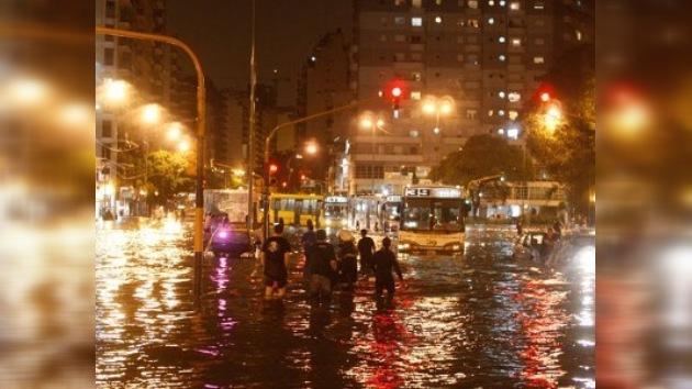 Buenos Aires paralizada por un diluvio