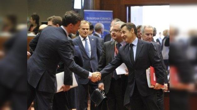 Las cumbres de la Eurozona y la UE terminan sin soluciones sobre la crisis