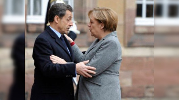 """Merkel y Sarkozy: """"Si cae Italia, sería el final del euro"""""""