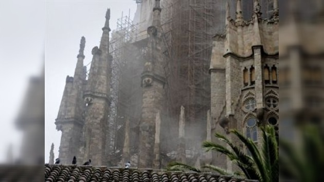 La policía continúa investigando el incendio provocado en la Sagrada Familia