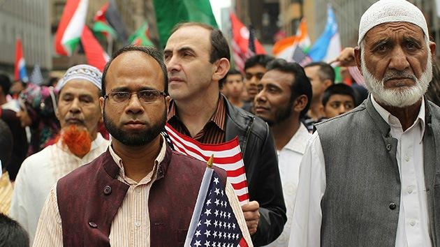 El FBI pone bajo vigilancia especial a los 160.000 inmigrantes sirios en EE.UU.
