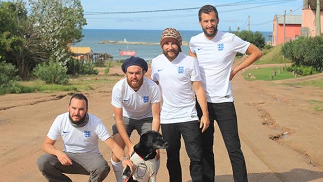 Hinchas ingleses completan un paseo de 1.966 kilómetros hasta la sede del Mundial