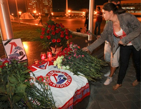 Los amantes del hockey lloran la muerte de los jugadores del Lokomotiv