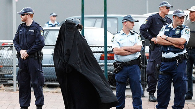 Australia procesa a la esposa del famoso yihadista que posó con cabezas humanas